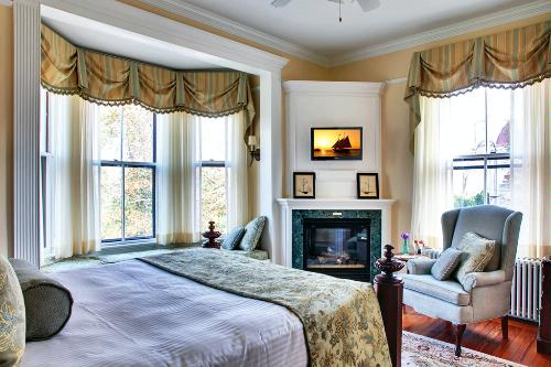 A room in the Cliffside Inn in Newport, Rhode Island.
