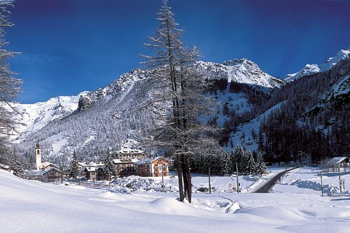 Aosta's best expert terrain lies at its furthest eastern reaches, in this part of the three-valley Monterosa Ski area.