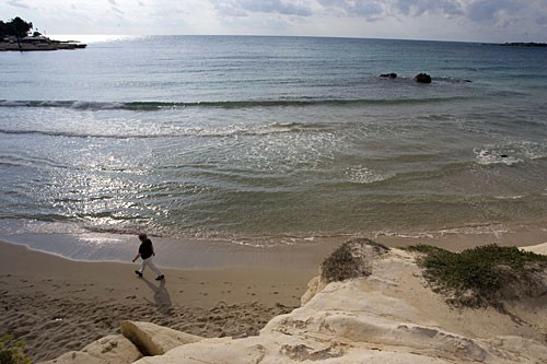 Fontane Bianche is the classic beach detour for those who stay in Siracusa, 15 minutes away.
