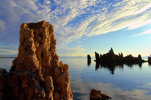 "Mono Lake, California. Photo by <a href=""http://www.frommers.com/community/user_gallery_detail.html?plckPhotoID=ba6730db-9719-4d35-8e48-85d5bc491fe8&plckGalleryID=c0482941-0d2d-4cca-b8c4-809ee9e20c72"" target=""_blank"">DickandJane/Frommers.com Community</a>."