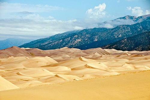 "Great Sand Dunes National Monument. Photo by <a href=""http://www.frommers.com/community/user_gallery_detail.html?plckPhotoID=fc95e751-904e-400e-b529-bad43220bfe4&plckGalleryID=c0482941-0d2d-4cca-b8c4-809ee9e20c72"" target=""_blank"">Tom Chiakulas/Frommers.com Community</a>"