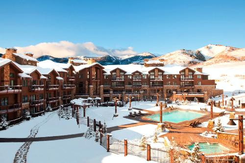 10 best ski lodges in the u s for Ski cottage