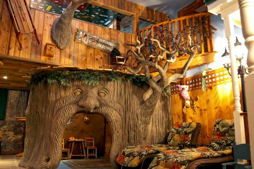 The Treehouse Suite at Adventure Suites, North Conway, New Hampshire.