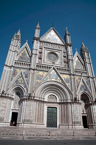 The facade of Orvieto's Duomo, the