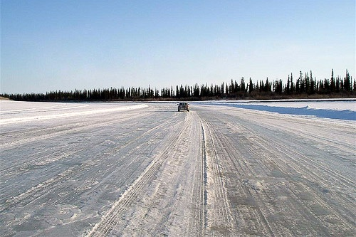 Driving the ice road from Inuvik to Tuktoyaktuk