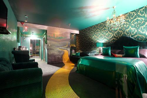 The Wizard's Emeralds Suite at the Roxbury Motel.