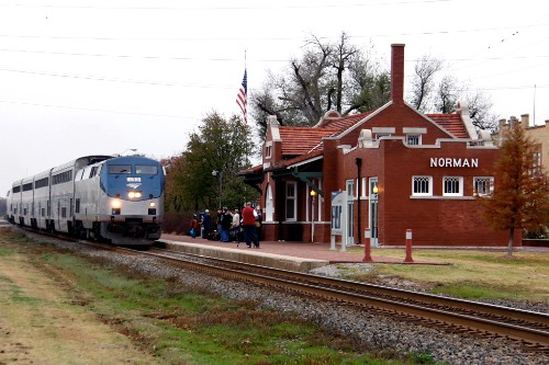 "Amtrak's Heartland Flyer in Norman, Oklahoma. Photo by <a href=""http://www.flickr.com/photos/39213183@N02/4120546327/"" target=""_blank"">woodyrr/Flickr.com</a>."