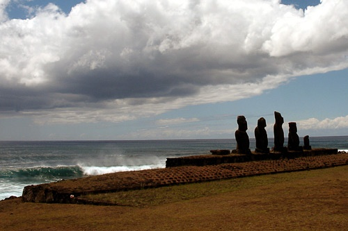 "Moai sculptures on Easter Island. Photo by <a href=""http://www.frommers.com/community/user_gallery_detail.html?plckPhotoID=35dbd882-53b2-4d98-b5ea-0f1a188569e5&plckGalleryID=c0482941-0d2d-4cca-b8c4-809ee9e20c72"" target=""_blank"">Dick Saale/Frommers.com Community</a>"