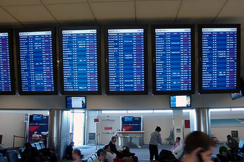 Cancellations abound after a snowstorm in Atlanta grounds 800 flights.