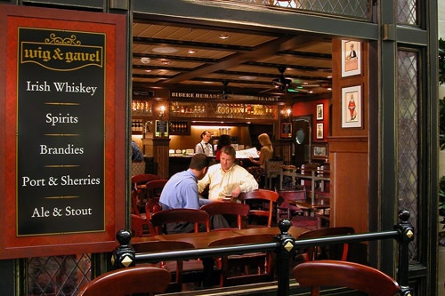 The Wig & Gavel Pub on Royal Caribbean's Mariner of the Seas. Photo: Courtesy of Royal Caribbean International
