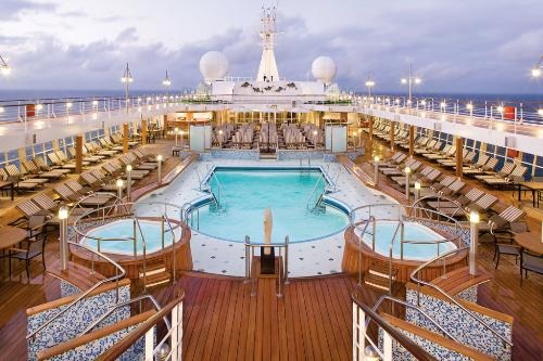 The Oasis Of Seas Was Launched In 2009 And Sails Caribbean Royal International Cruise