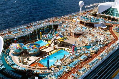 How To Book The Best Cruise Suites At Sea