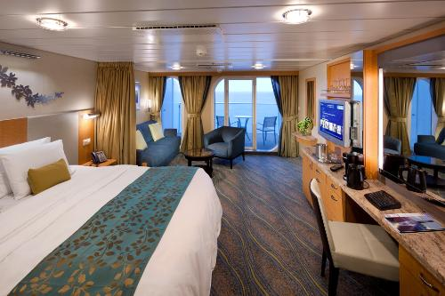 A Junior Suite on the Oasis of the Seas