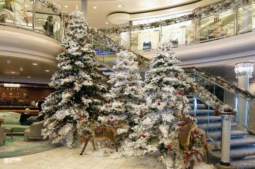 holiday displays on the crystal symphony crystal cruises - When Do Cruise Ships Decorated For Christmas