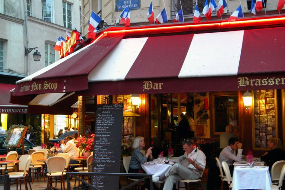 Outdoor dining in Paris.