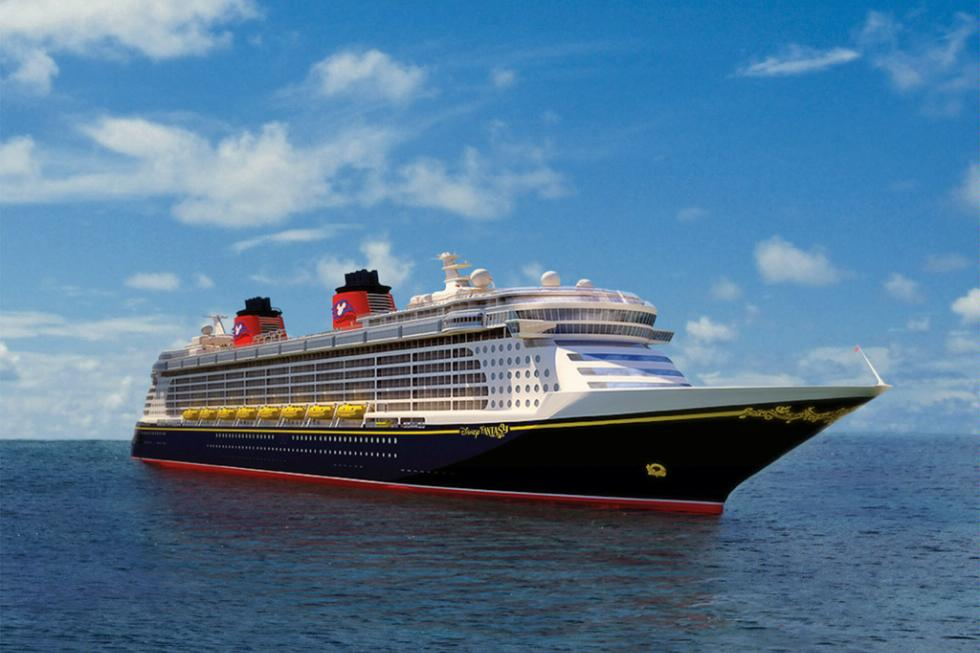 The Disney Fantasy continues the Disney Cruise Line tradition of blending the elegant grace of early 20th century transatlantic ocean liners with contemporary design.